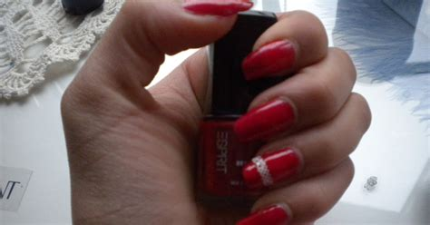 Miracle Rose: Nails of the day - elegant red