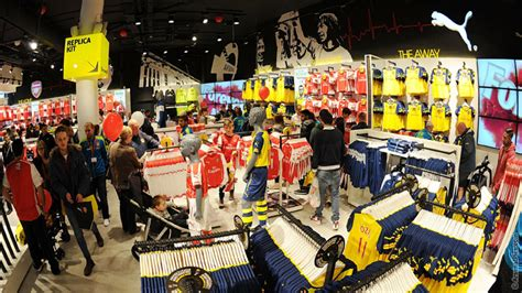 Pictures: The new-look Armoury reopens   News   Arsenal