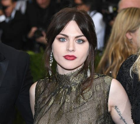 Frances Bean Cobain Opens Up About Her Sobriety, Reclaims